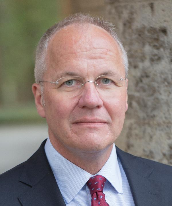 Rechtsanwalt und Notar<br/> LL.M. Christian Freericks