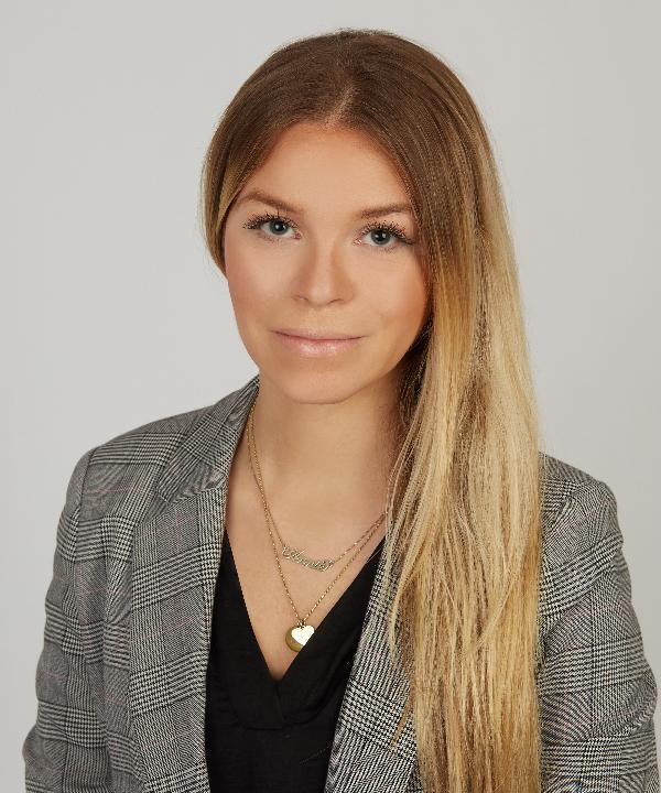 Rechtsanwältin<br/> Annika Kchiwonus