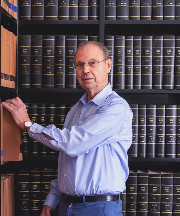 Rechtsanwalt<br/> Notar a.D. Heinrich Burchard