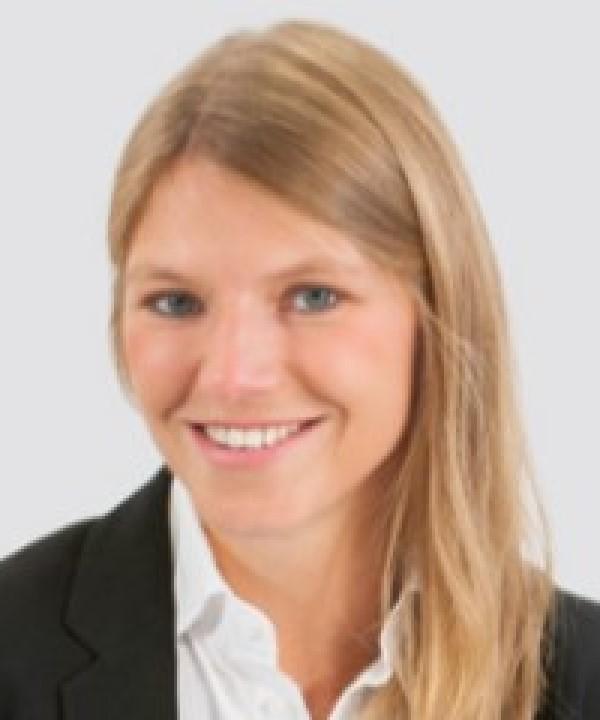 Rechtsanwältin<br/> Ariane Bertram in Anstellung