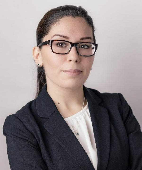 Rechtsanwältin<br/> Shugufa Sherzada in Anstellung