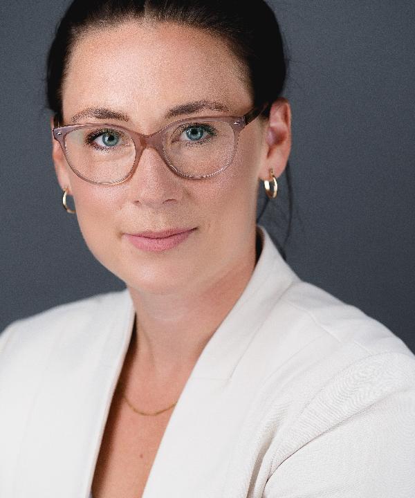 Rechtsanwältin<br/> Levke Rohwer in Anstellung