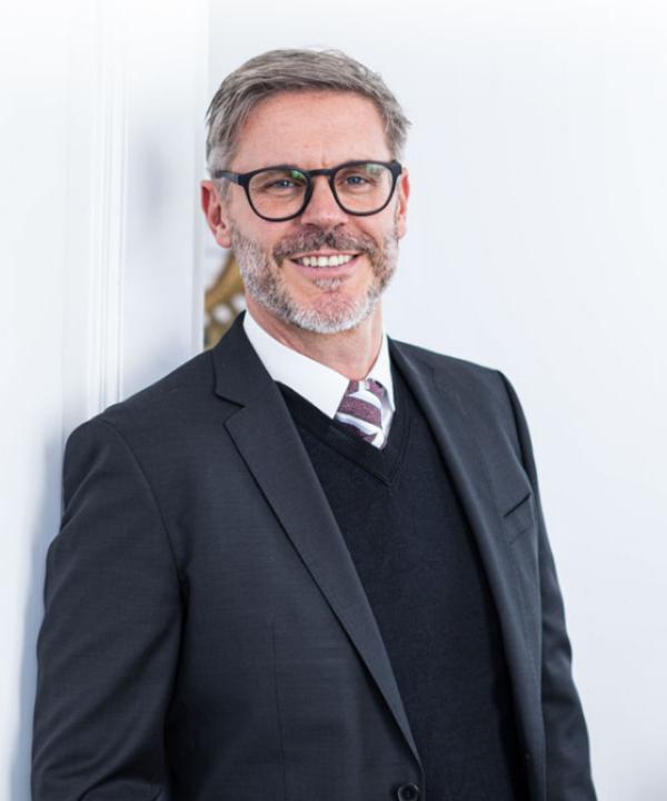 Rechtsanwalt und Notar<br/> Stephan Schuster