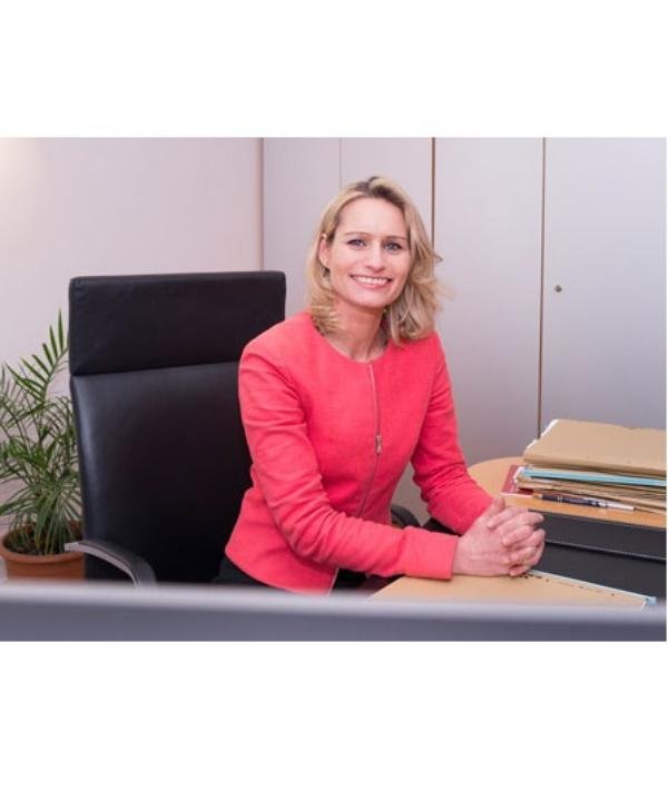 Rechtsanwältin<br/> Nikola Derenbach
