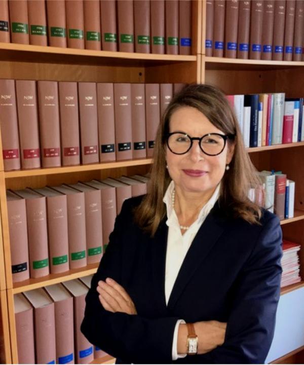 Rechtsanwältin<br/> Martina A. Wandel