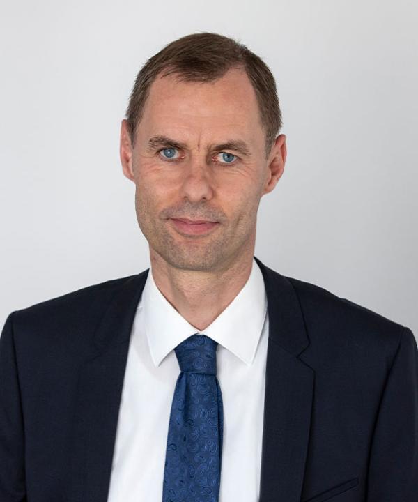 Rechtsanwalt und Notar<br/> Dr. Henning Küster