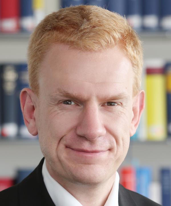 Rechtsanwalt<br/> Dr. Ulrich Hallermann in Bürogemeinschaft